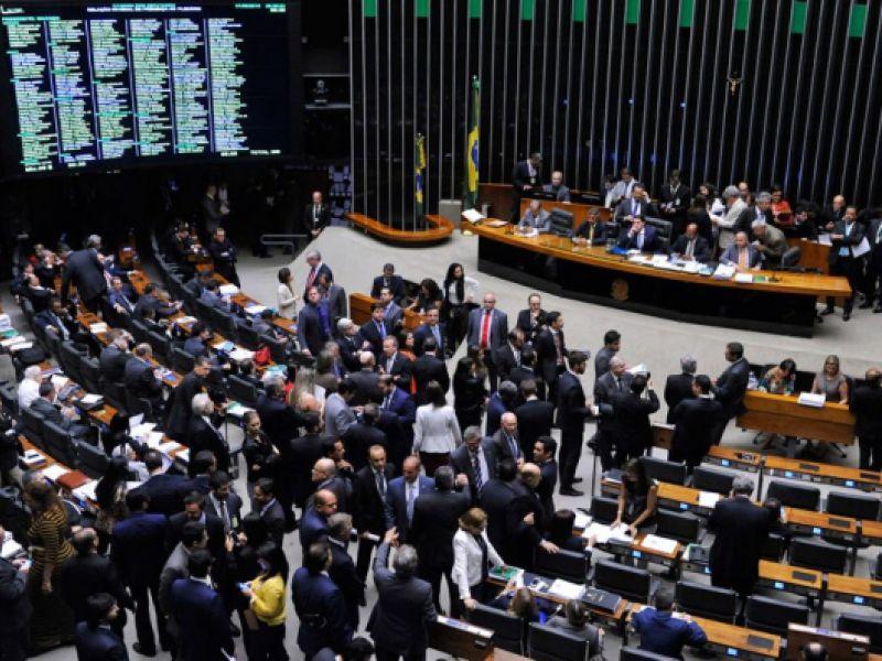 Projeto obriga exame toxicológico para vereadores, deputados e senadores