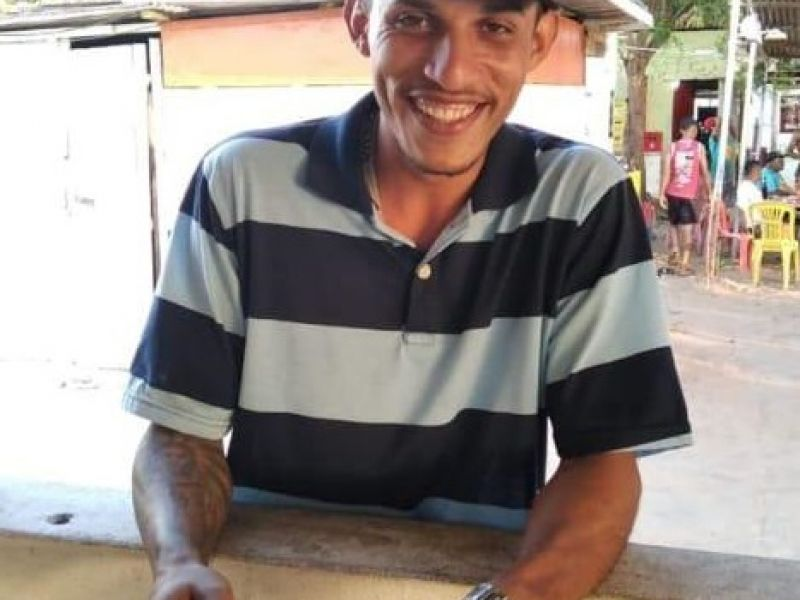 Jovem morre após ser baleado dentro de sua própria residência em Penedo