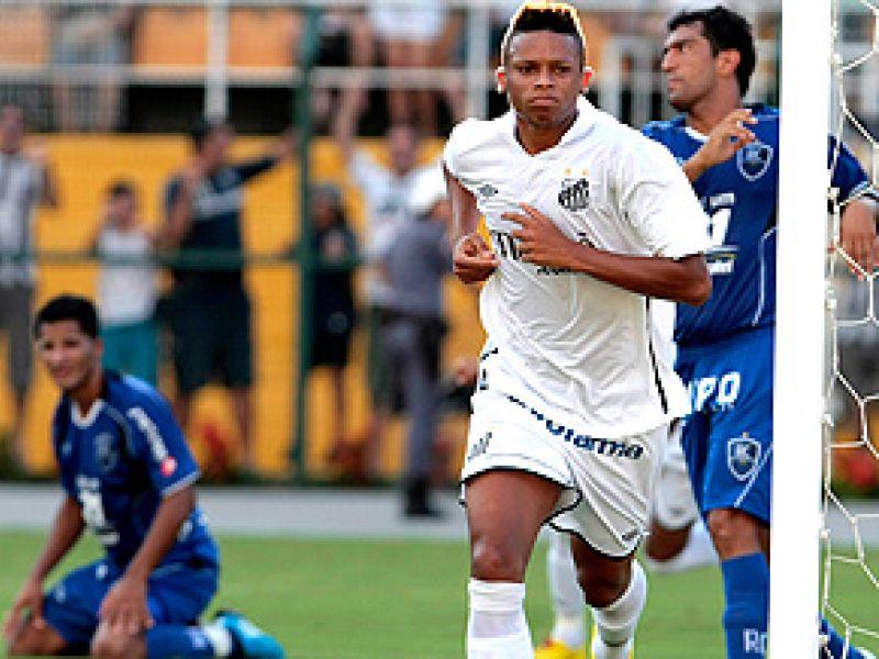 Robinho esteve apagado, mas Neymar levou o Santos à vitória