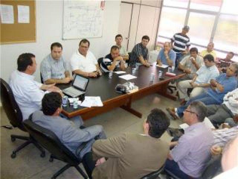 Clubes se reunem com governo para saber tramites sobre repasse