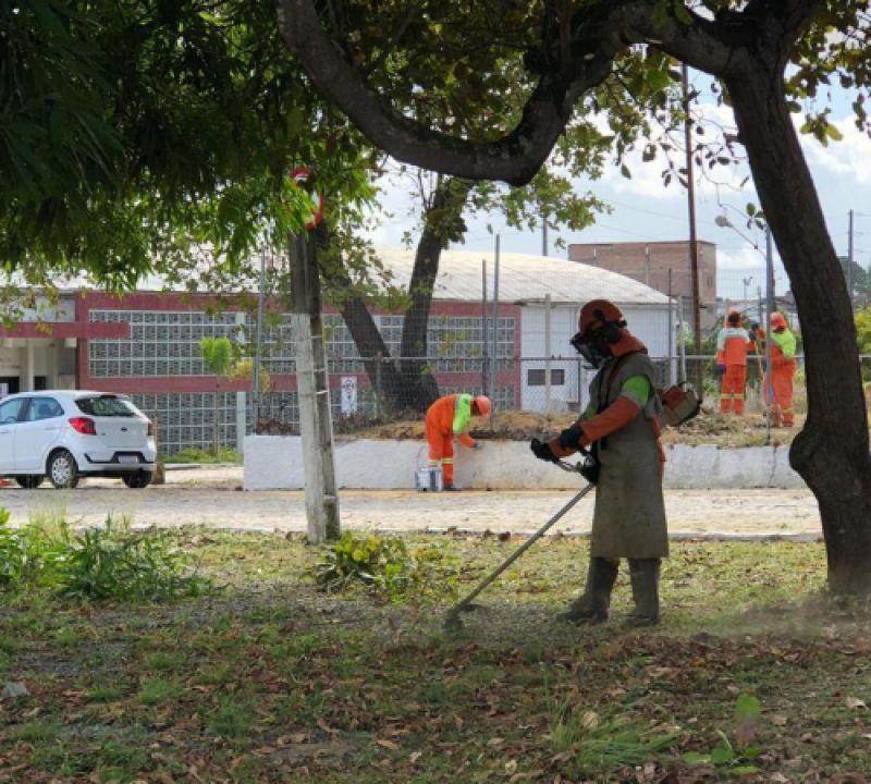 Força-tarefa de limpeza e iluminação revitaliza dependências da SMTT