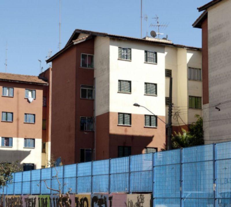Bolsonaro sanciona lei do programa Casa Verde e Amarela