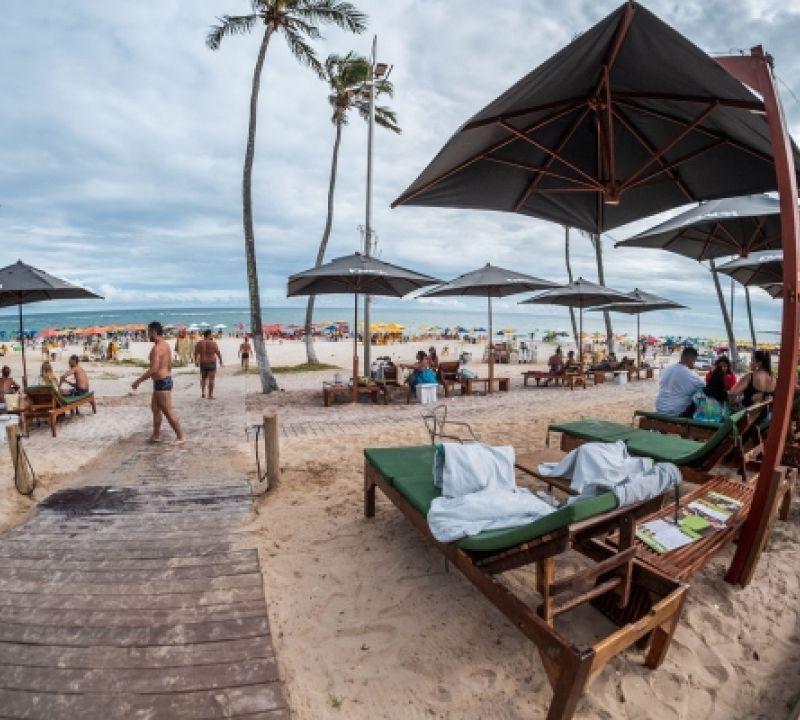"""Crescimento do turismo fomenta novos empreendimentos """"pé na areia"""" em Alagoas"""