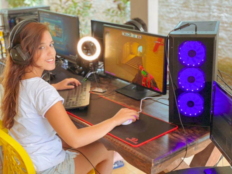 Jovem penedense Beatriz se destaca em jogos internacionais de CS GO