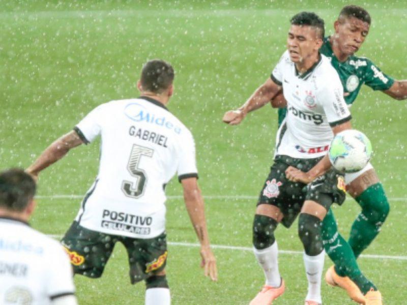 Palmeiras goleia o Corinthians em clássico da 28ª rodada do Brasileirão