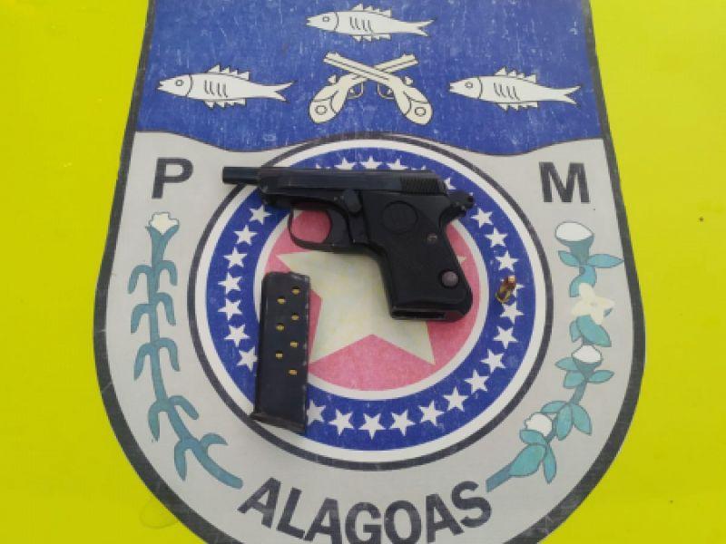 Homem de 42 anos é preso após exibir pistola para populares em Coruripe