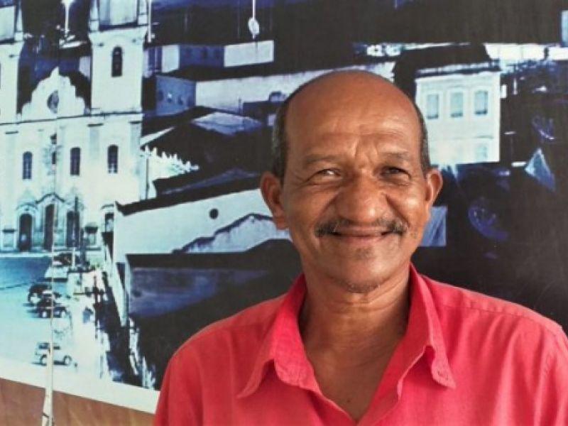 Maqueiro da UPA será primeira pessoa vacinada contra Covid-19 em Penedo