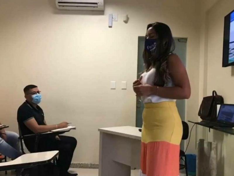 Dentista penedense é convidada para ministrar curso de especialização no Macapá