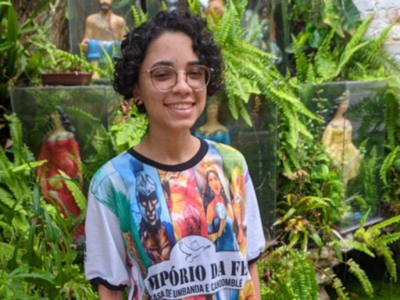 Empreendedorismo Juvenil: Jovem mestranda abre loja de artigos religiosos e se torna referência na região