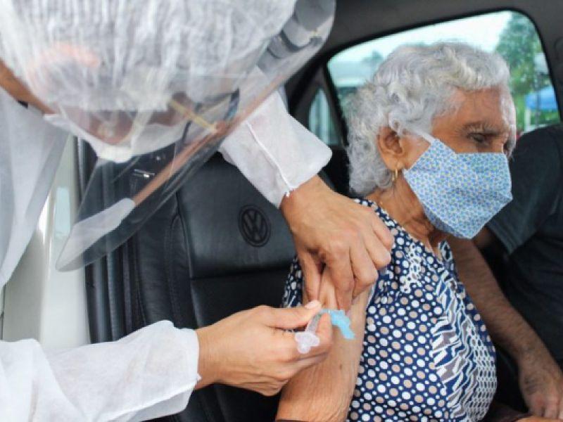 Projeto prevê até 4 anos de prisão para quem furar fila da vacina contra Covid-19