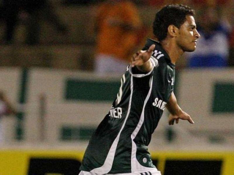Corinthians e Palmeiras duelam no Pacaembu