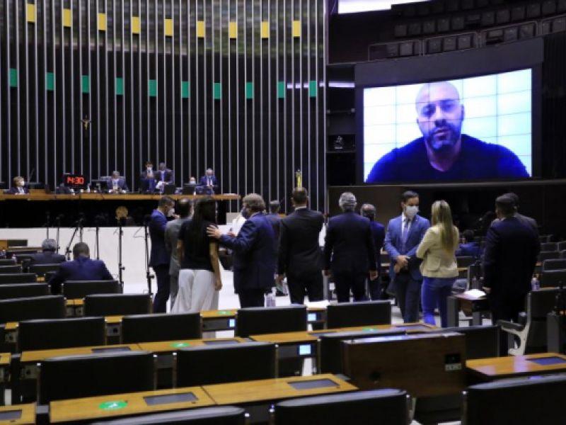 Veja como votaram os deputados alagoanos na decisão que manteve Daniel Silveira preso