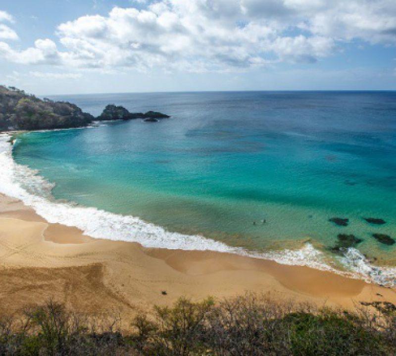 Pesquisa do TripAdvisor: Brasil tem duas praias entre as melhores do mundo