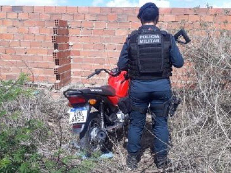 Polícia Militar recupera motocicleta com restrição de roubo em Itabaiana