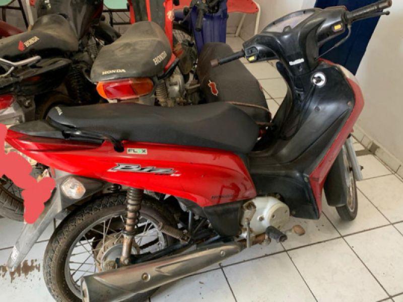Polícia Civil prende homem e recupera moto roubada na cidade de Craíbas