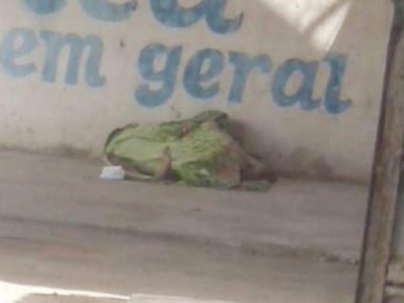 Morador de rua é morto a pedradas na frente de uma oficina no Rancho Alegre
