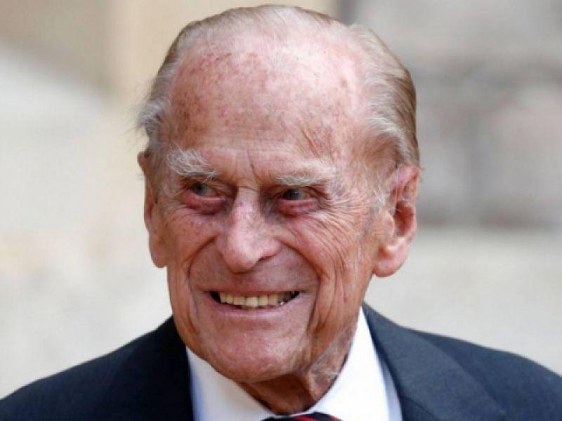 Príncipe Philip, marido da rainha Elizabeth II, morre aos 99 anos