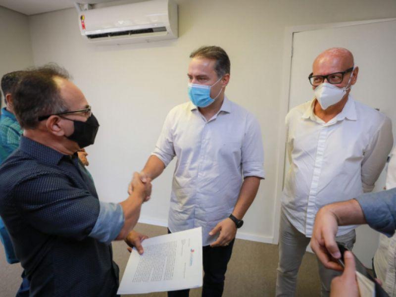 Renan Filho garante inclusão de jornalistas em grupos prioritários para vacinação contra a Covid-19
