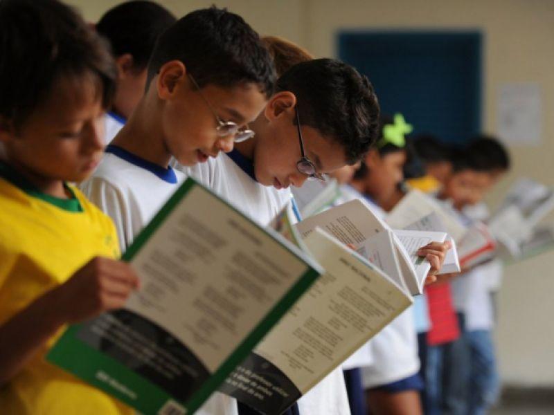 Para auxiliar educadores: lançado relatório de alfabetização