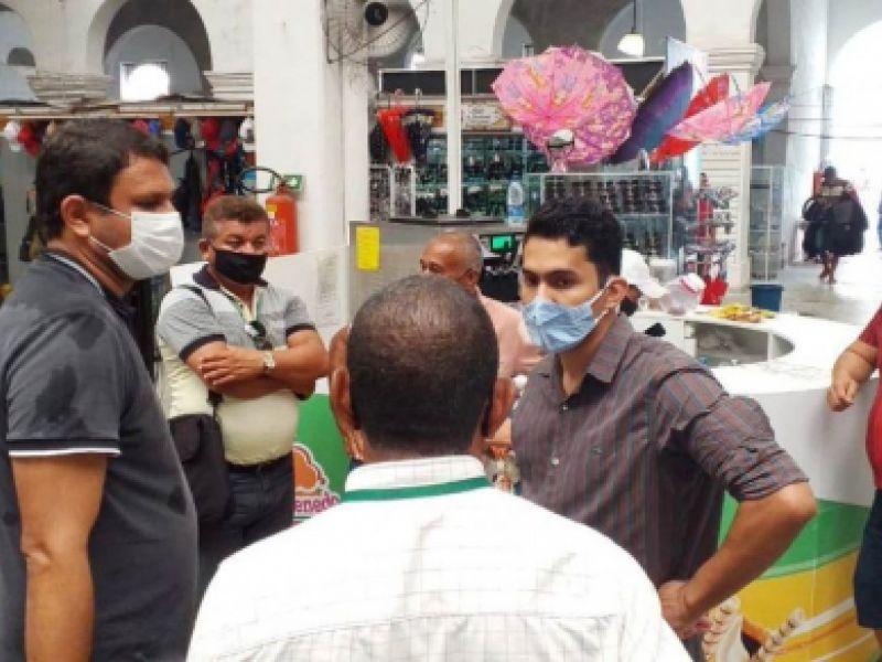 Prefeitura de Penedo trabalha para reparar danos causados pelas chuvas no Mercado Público