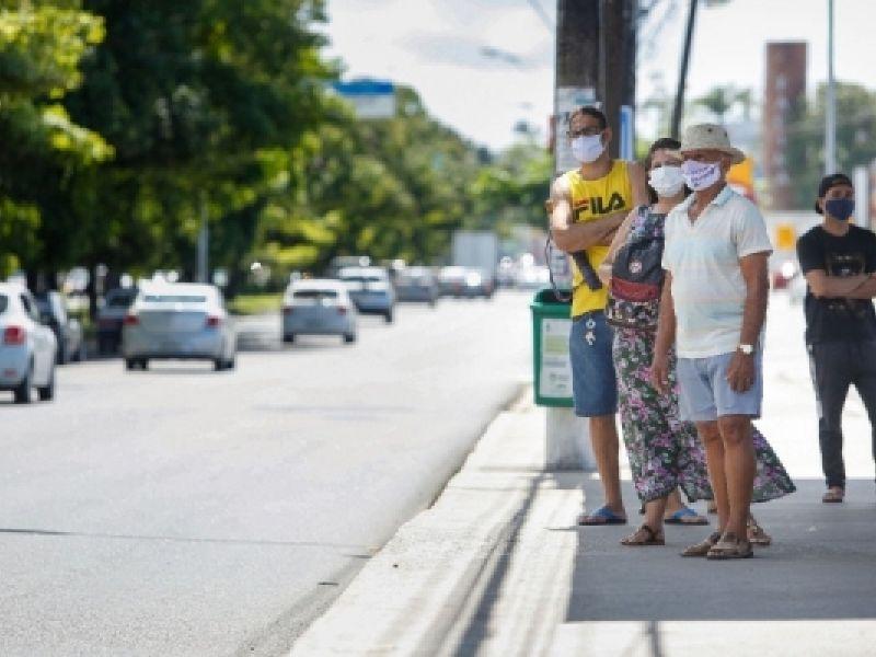 Governador sanciona lei que torna obrigatório uso de máscaras em Alagoas
