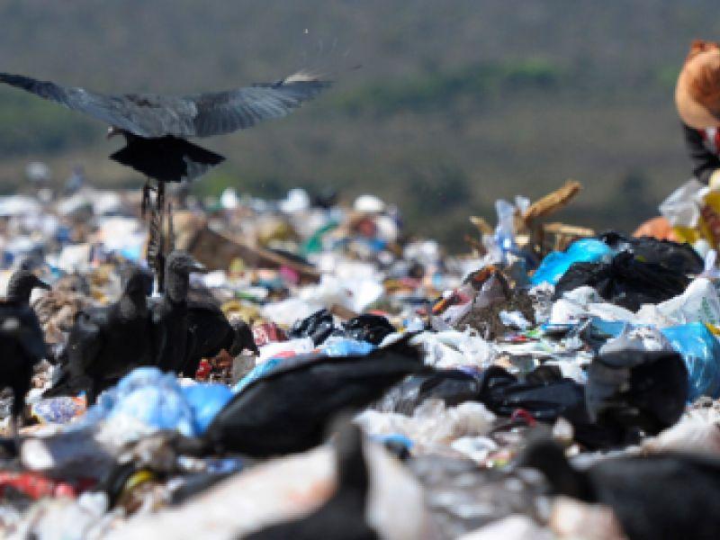 600 lixões desativados menos de um ano após sanção do Marco do Saneamento