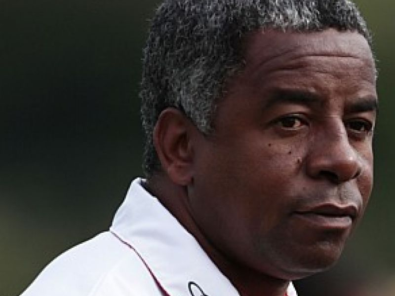 Andrade quer agilidade nas negociações do Flamengo
