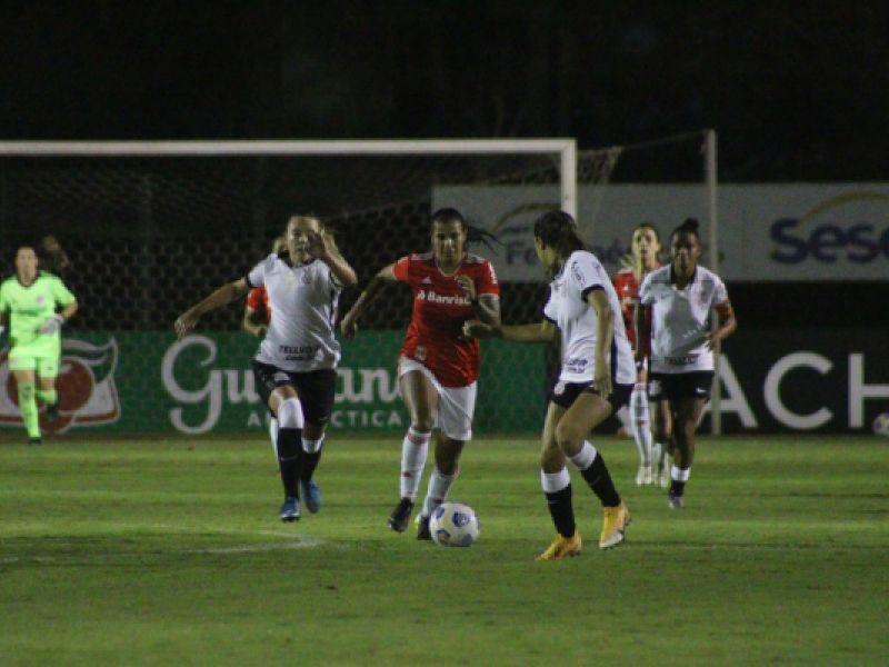 Corinthians vence o Inter em confronto direto e segue na liderança do Brasileiro Feminino A-1