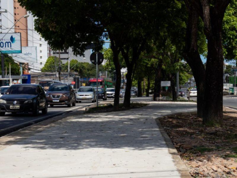 Obras da ciclovia da Fernandes Lima avançam e vão beneficiar 200 mil ciclistas