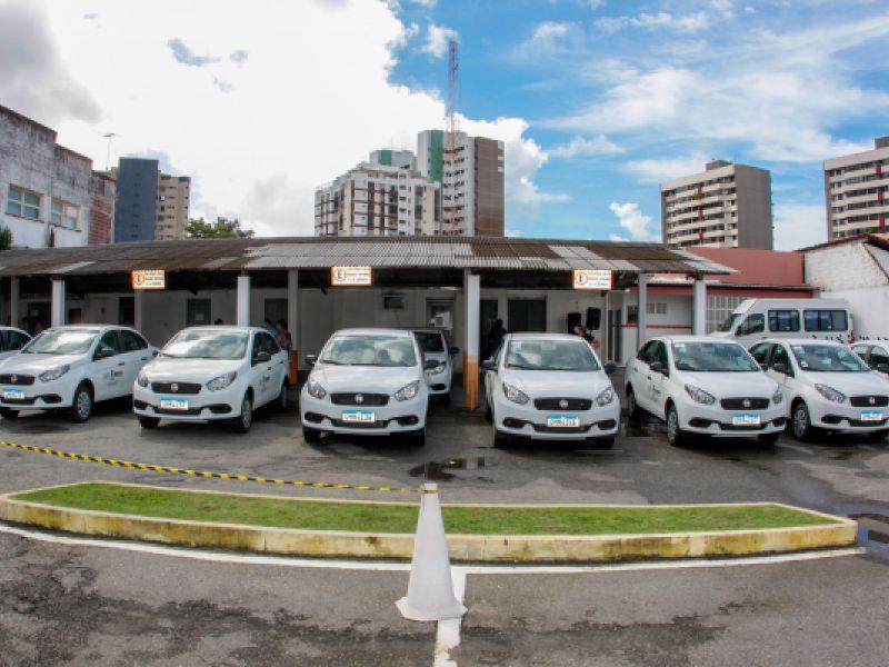 Governo entrega veículos para produção agrícola e pecuária familiar e lança edital do PAA-Leite