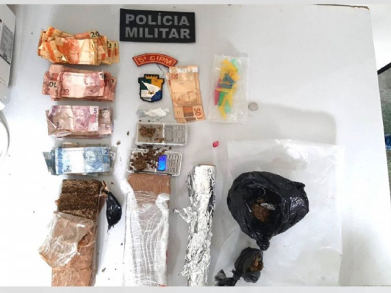 Homem é preso com drogas e confessa que virou traficante após ficar desempregado em Neópolis