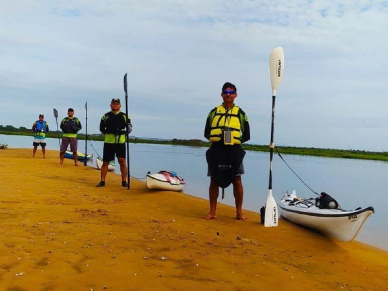 Grupo de remadores ribeirinhos participa de desafio entre Traipu e Penedo