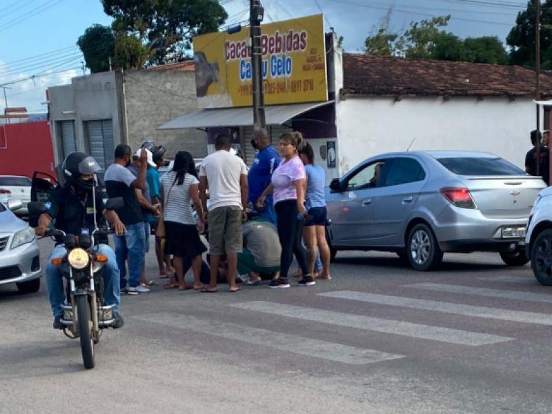 Criança é atropelada por motociclista em trecho de movimentada avenida de Penedo