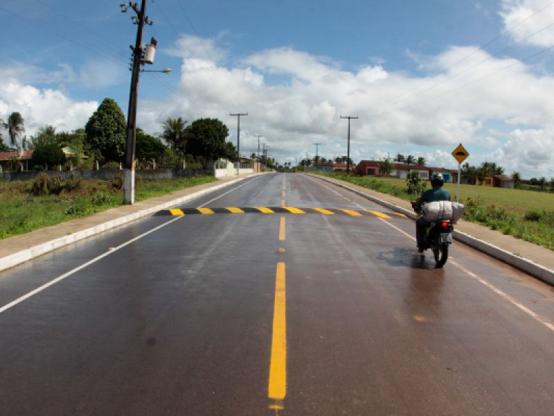 Governador de SE inaugura rodovia que liga sede de Umbaúba ao povoado Queimada Grande