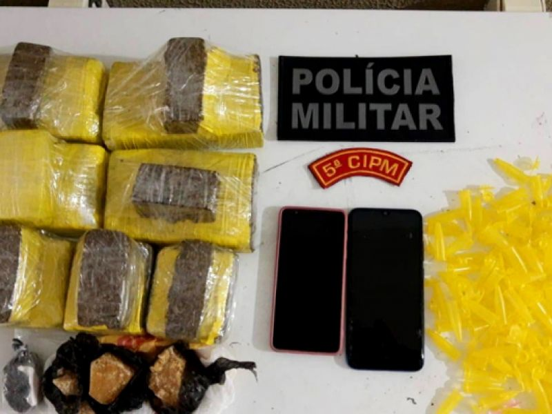 Abordagem a táxi em Neópolis resulta na apreensão de quase três quilos de drogas