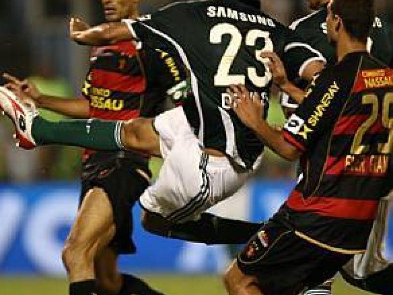 Palmeiras empata e reassume a liderança da série A