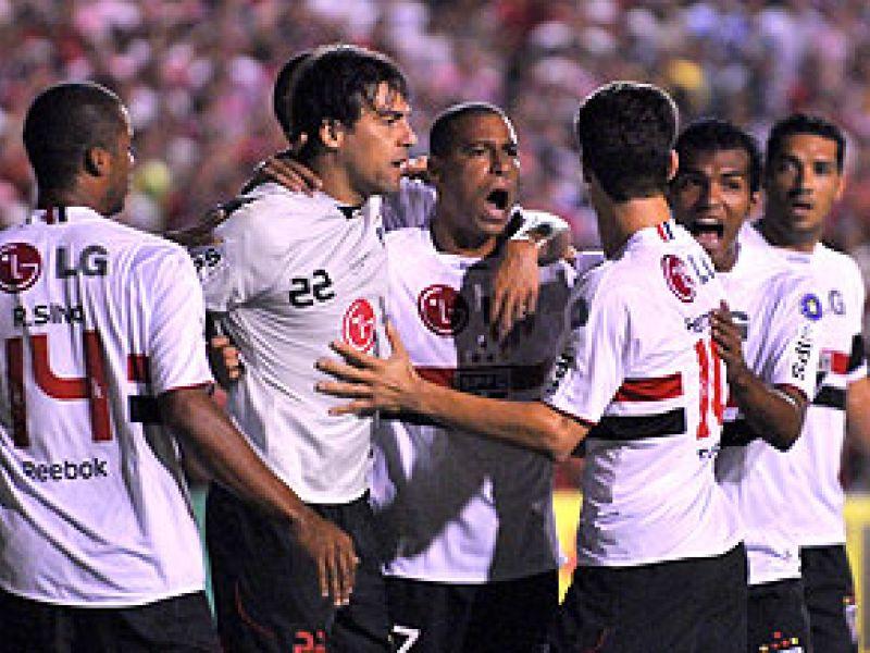 São Paulo vence Náutico no Recife
