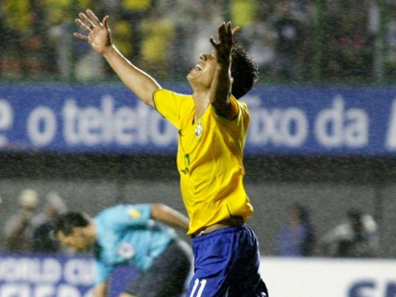 Brasil vence mais uma e Nilmar é destaque