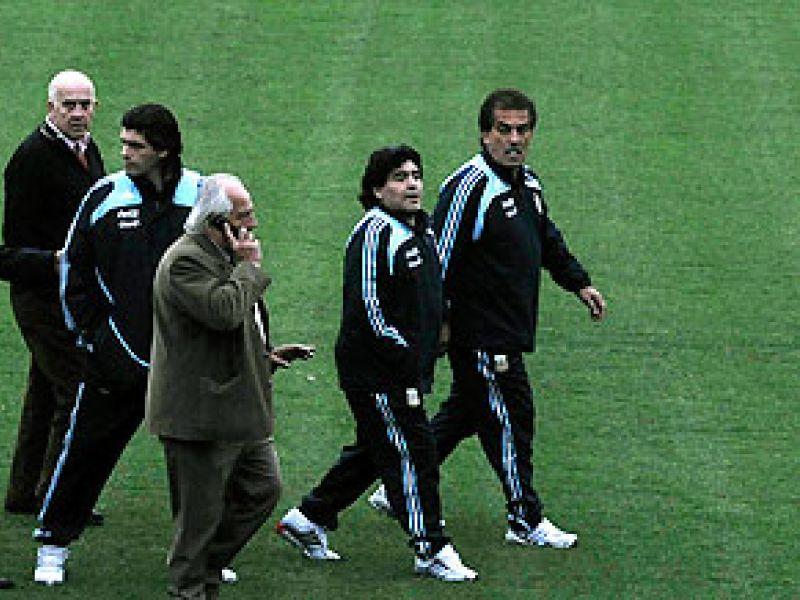 Maradona garante que Argentina vencerá o Brasil