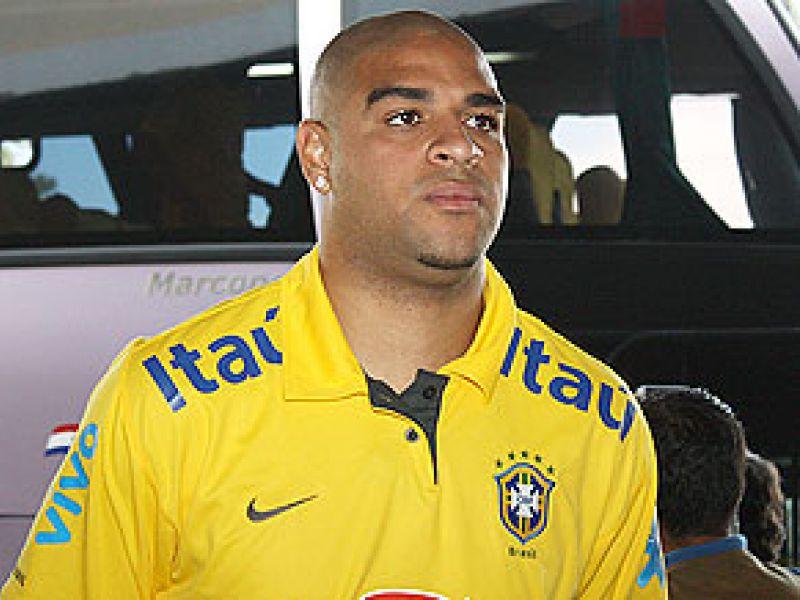 Adriano foi convocado por Dunga