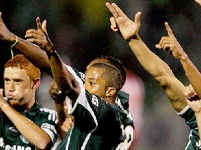 Palmeiras vence e assume vice-liderança