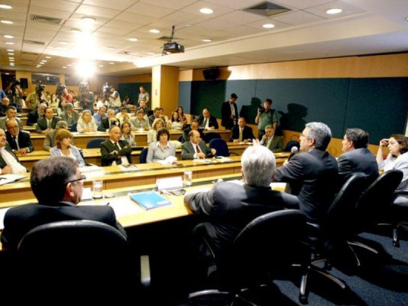 Ministério reúne Estados estratégicos para enfrentar a dengue