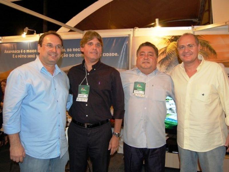 Senador Renan Calheiros visita Feira do Empreendedor em Arapiraca