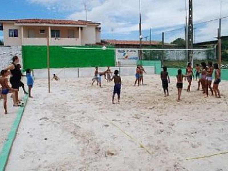 Crianças e adolescentes do Peti participam de colônia de férias