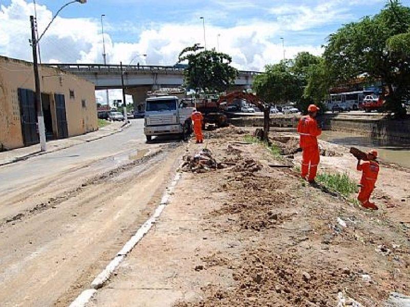 Slum faz grande ação de limpeza no Salgadinho