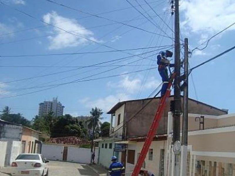 Prefeitura de Maceió melhora iluminação de ruas no Farol