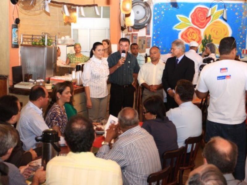 Secom lança revista com obras e projetos da Prefeitura