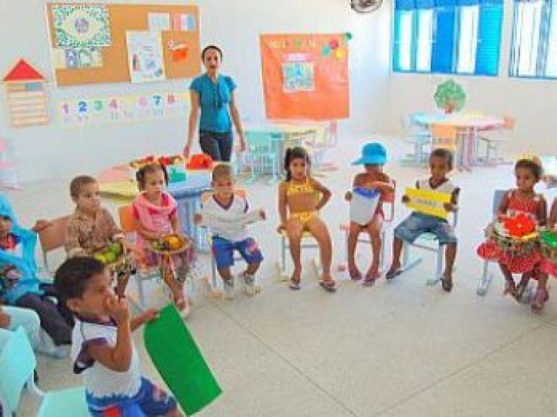 Crianças do Pontal são incentivadas à leitura