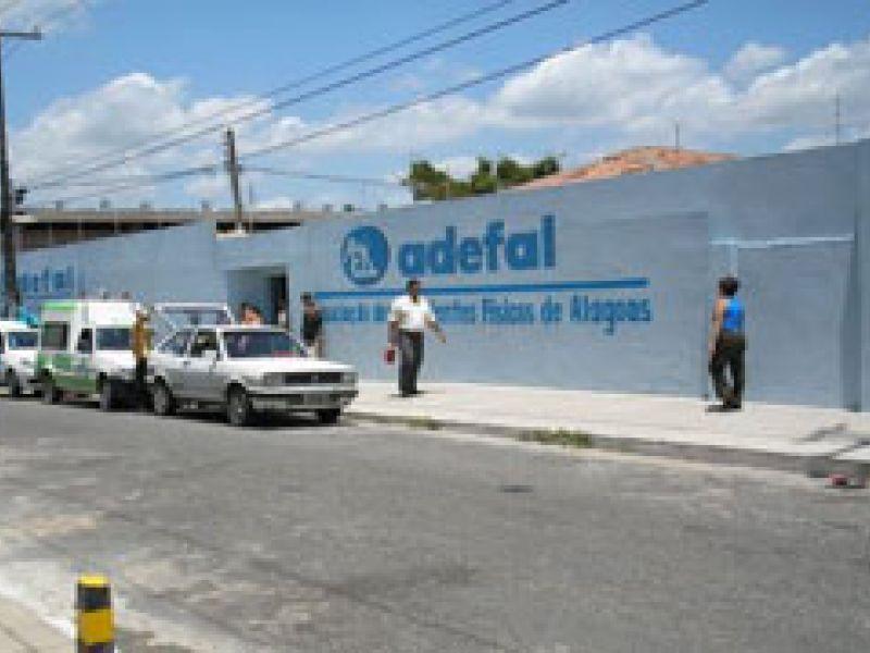 Adefal oferece atendimento jurídico gratuito