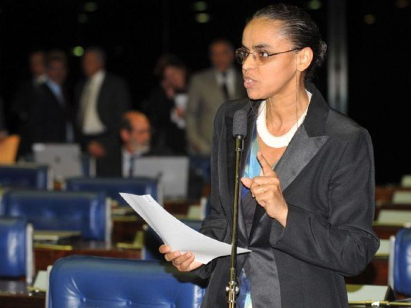 Marina recebe prêmio internacional por defender meio ambiente